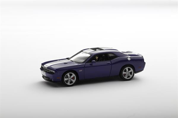 Welly_Dodge_Challenger_SRT_violett_124_1.jpg