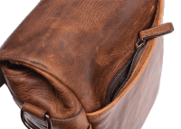 ona_bond_street_antique_cognac_back_pocket_detail_large.png