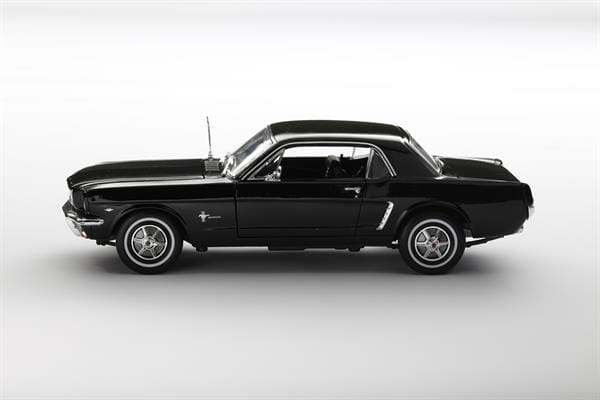 Welly_1964_12_Ford_Mustang_schwarz_118_1.jpg