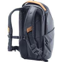 Everyday_Backpack_Fotorucksack_15L_v2_ZIP_blau_BEDBZ_15_MN_2_traeger_offen_a.png